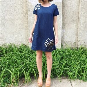 Chambray dress with ombré buttons